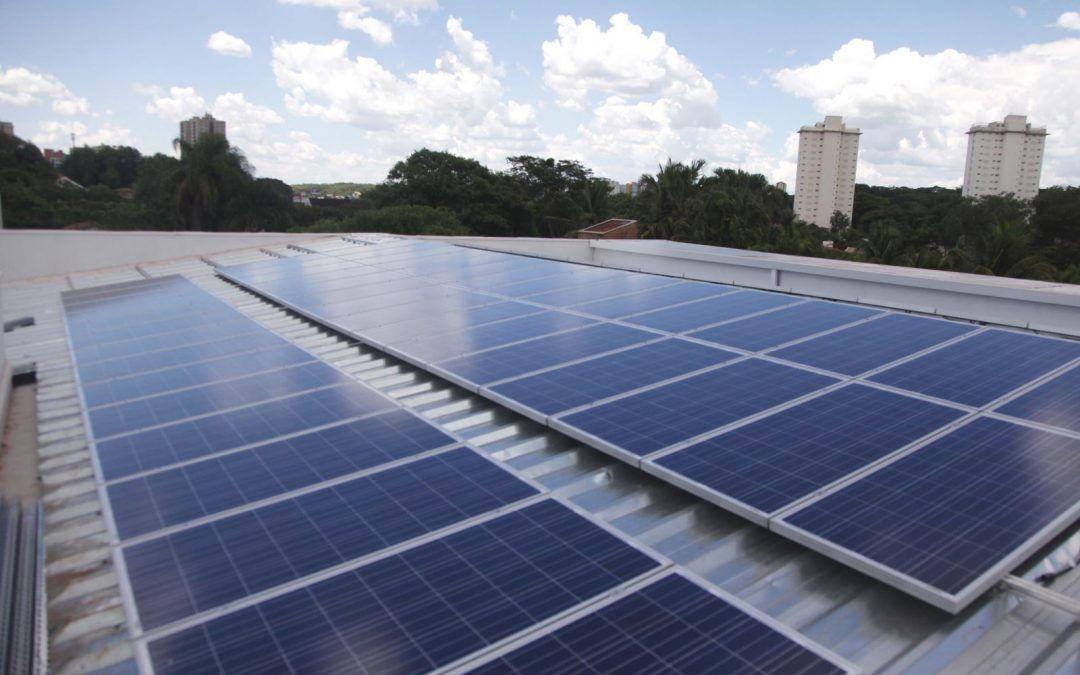 Como reduzir o custo do seu negócio com energia solar