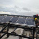 Instalação painel solar casa sobreposta