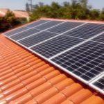 Vista do telhado com placas solares - Projeto Zona Sul